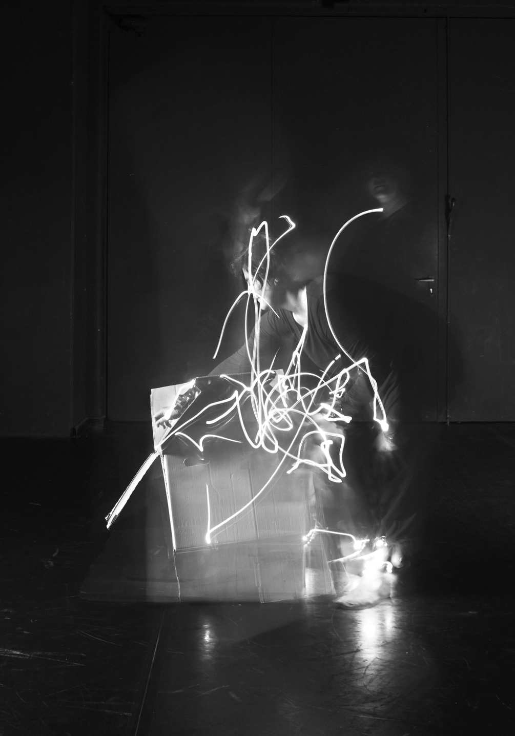 tracking-dance-folding-a-moving-box-1005x1435px