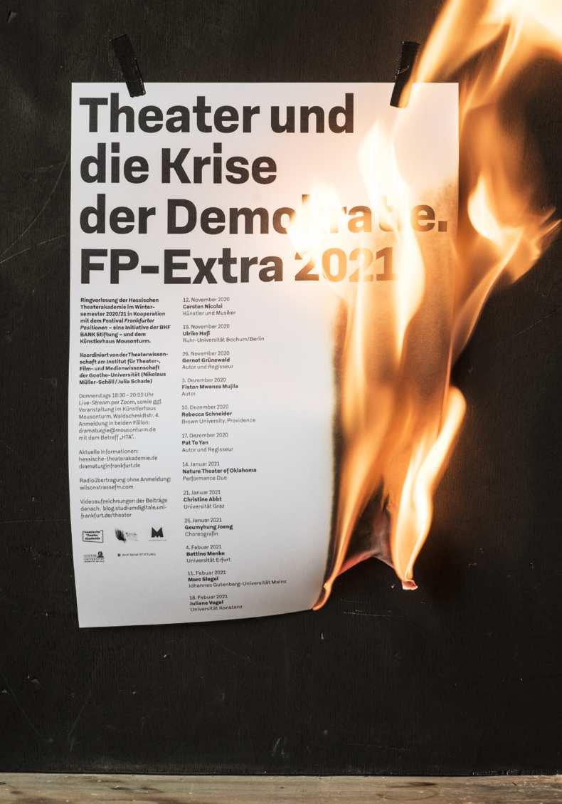 krise-der-demokratie-photo-04-790x1128px