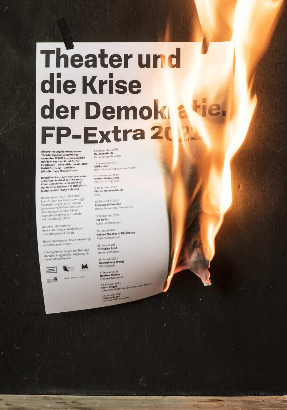 krise-der-demokratie-photo-05-1005x1436px