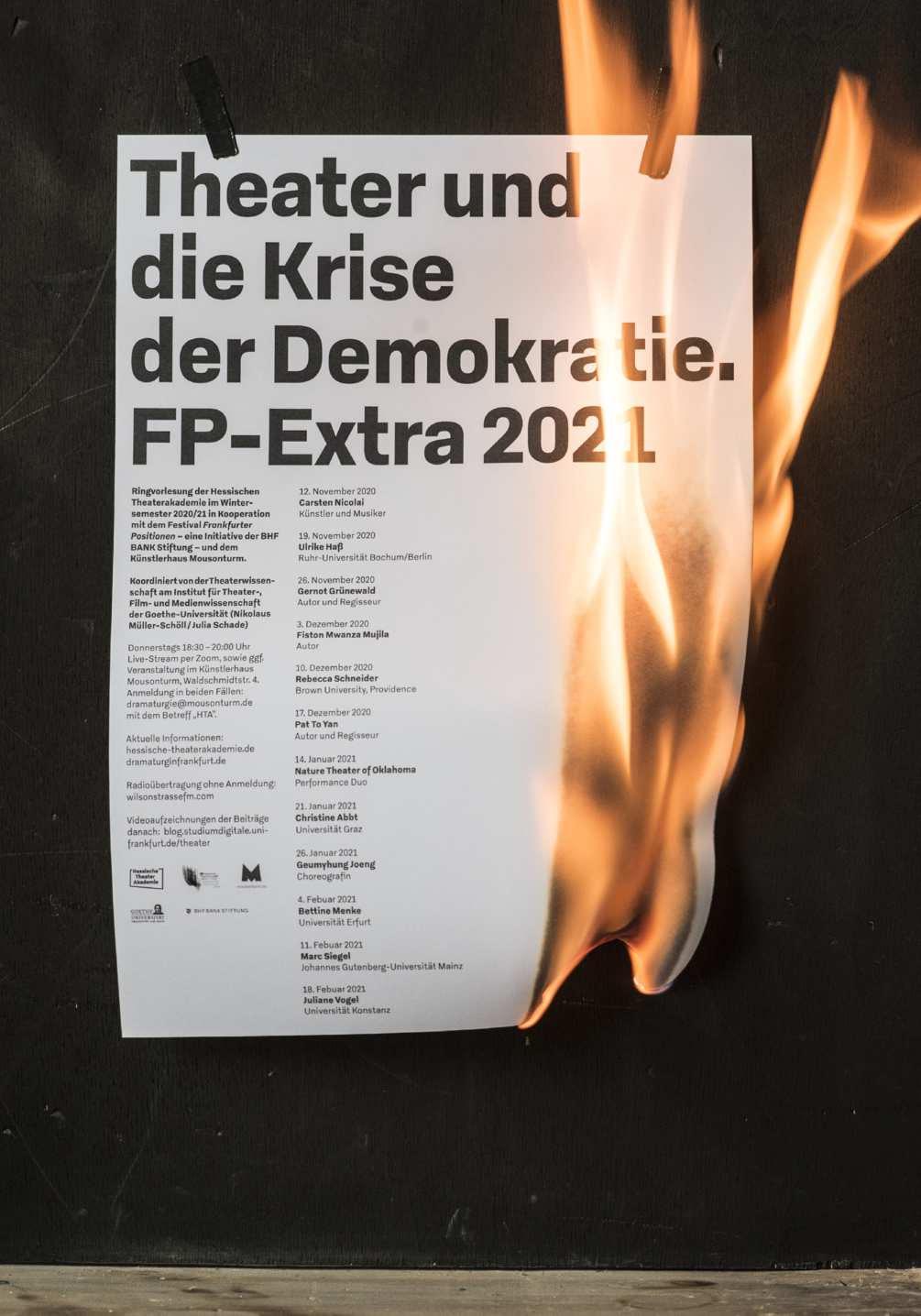 krise-der-demokratie-photo-03-1005x1436px
